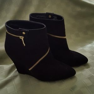 "Just Fab ""wrap-around zipper "" boots"